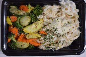 Fettuccine Alfredo box lunch