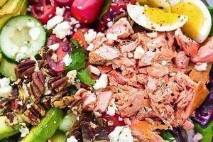 salmon Boxed salad